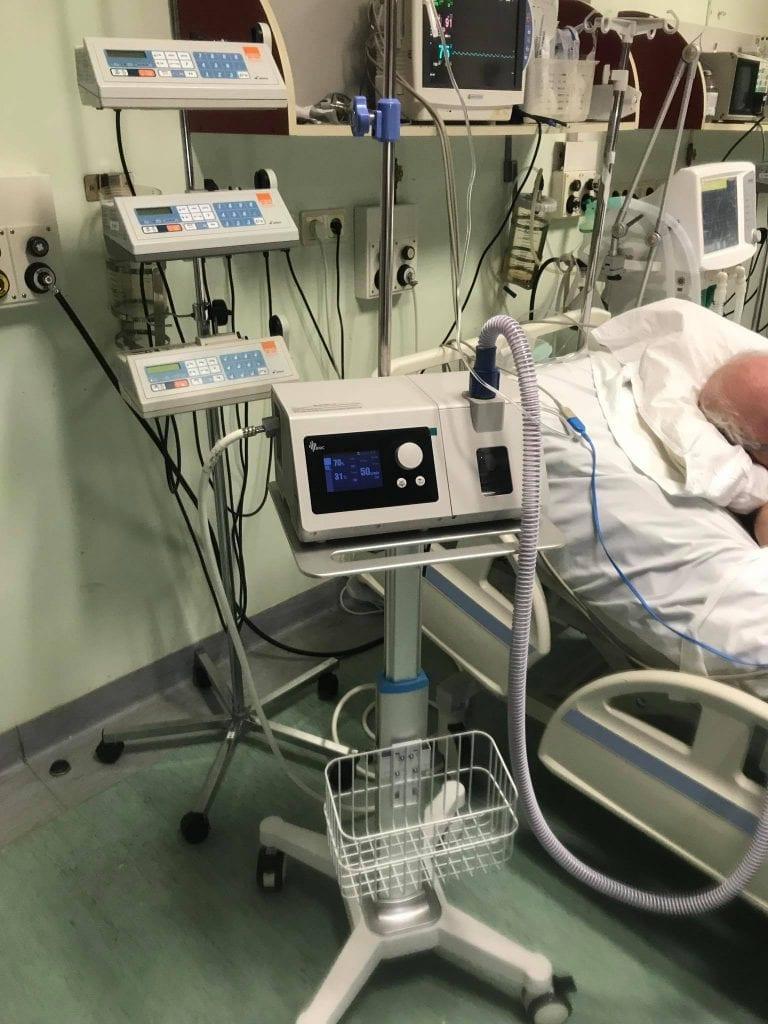 Kalėdų dovana Vilniaus miesto klinikinei ligoninei – lietuvis padovanojo sergančiųjų COVID-19 gyvybes gelbstinčios medicinos įrangos